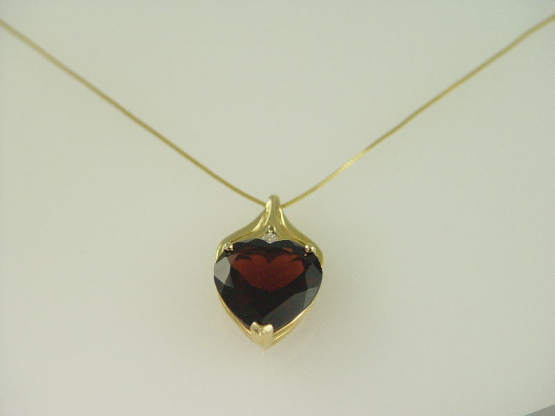 14Kt Yellow Gold Garnet Big Heart Pendant