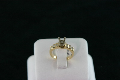 14KT Y/G semi-Princess Cut Diamond 0.40ct Ring 4.1gr