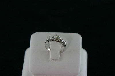 14KT White Gold 4 Diamond 0.35ct/Center Diamond 0.30ct Ring
