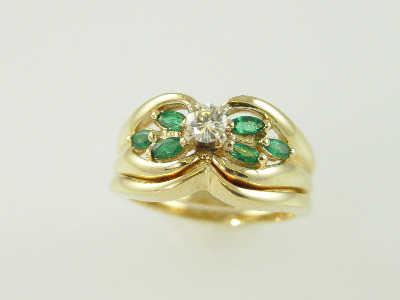 14KT Y/G Set - Marquise Emeralds 0.45ct-Center Diamond 0.23ct Ring