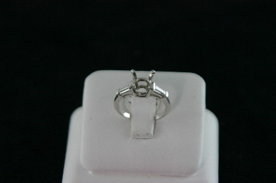14KT White Gold Baguette Diamonds 0.45ct Solitaire