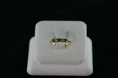 14KT Y/G Emerald 0.20ct and Diamond 0.17ct Band 2.1gr