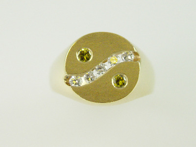 14KT Y/G Round Diamonds /2 Treated Yellow Diamond 0.60ct Ring 12.6gr
