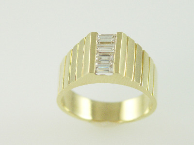 14KT Y/G Channel Set Diamond Baguettes 0.76ct Ring 8gr