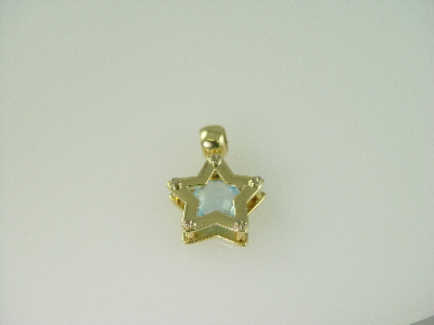 14KT Y/G Blue Topez 2.50ct Star Pendant 6.1gr