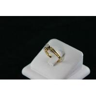 14KT Y/G Diamond Baguette 0.35ct One center Diamond 0.30ct Ring 3.7gr