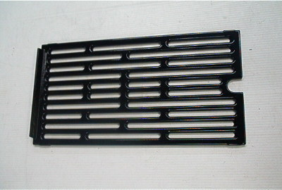 17 ½ x 9 ¼ porcelain cast cooking grid with raised back