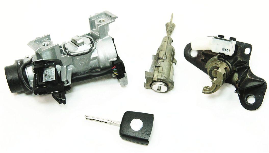 Ignition Door Trunk Lock Key Set 05 10 Vw Jetta Mk5 Sedan Genuine 1k0 905 851 B