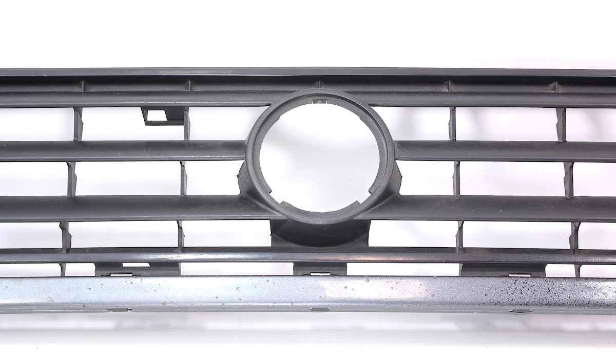 Stock 3 Bar Front Grille 88-92 VW Jetta Golf GTI MK2 - Genuine - 165 853 653 E | CarParts4Sale, Inc.