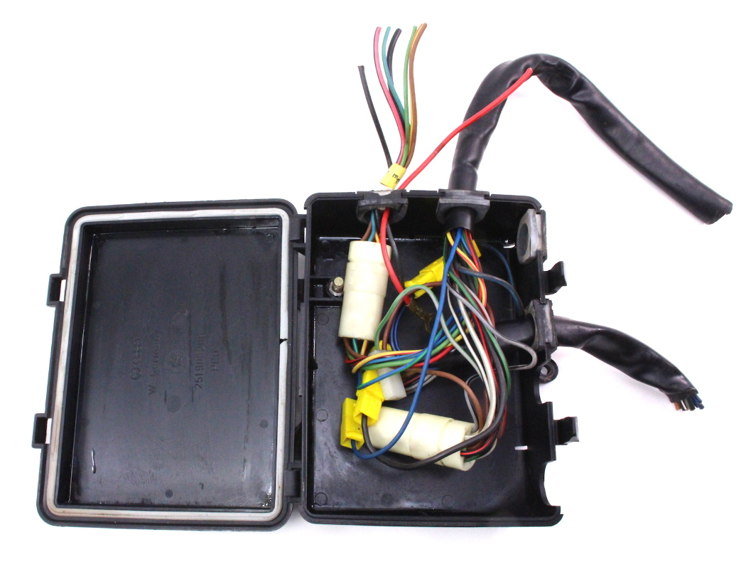 engine bay wiring junction box 83 91 vw vanagon t3. Black Bedroom Furniture Sets. Home Design Ideas