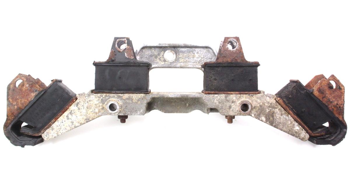 engine motor mount bracket 80 85 vw vanagon t3 020 199. Black Bedroom Furniture Sets. Home Design Ideas