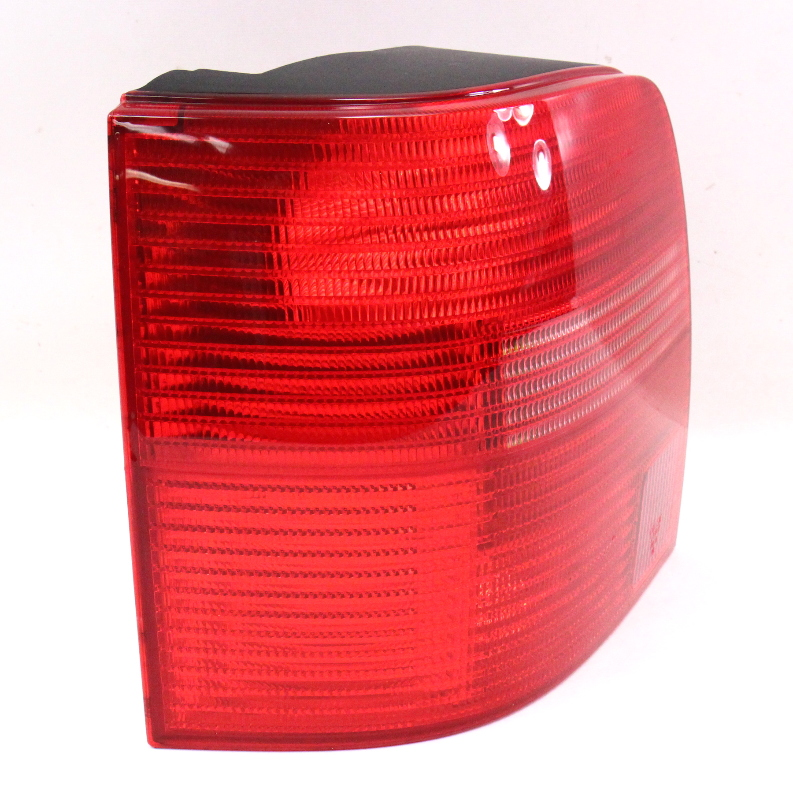 LH Tail Light Lamp 98-01 VW Passat Wagon B5