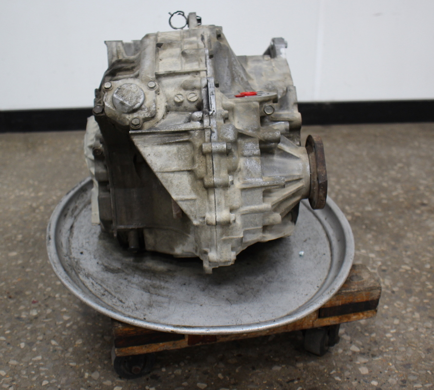 Transmission For Volkswagen Jetta: 5 Speed Tiptronic Automatic Transmission EEF 02-04 VW