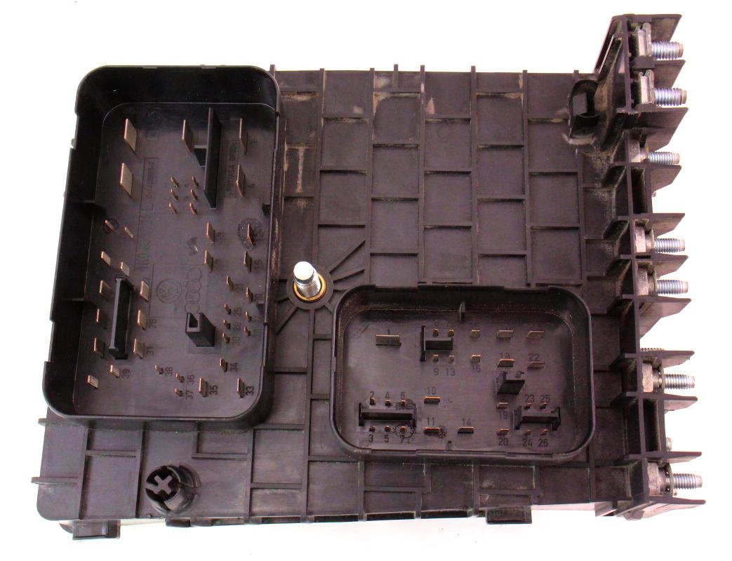Engine Bay Fuse Relay Box 06 08 VW Passat B6 3 6 Genuine