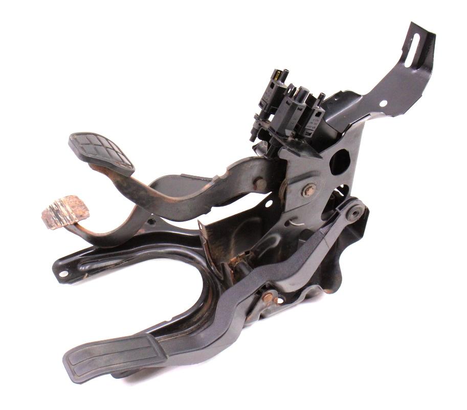 manual pedal cluster clutch brake   vw jetta golf gti mk genuine carpartssale