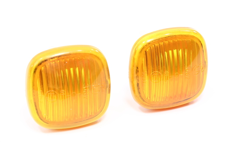 Side Marker Fender Lights 96-99 Audi A4 A8 - 4D0 949 127 B