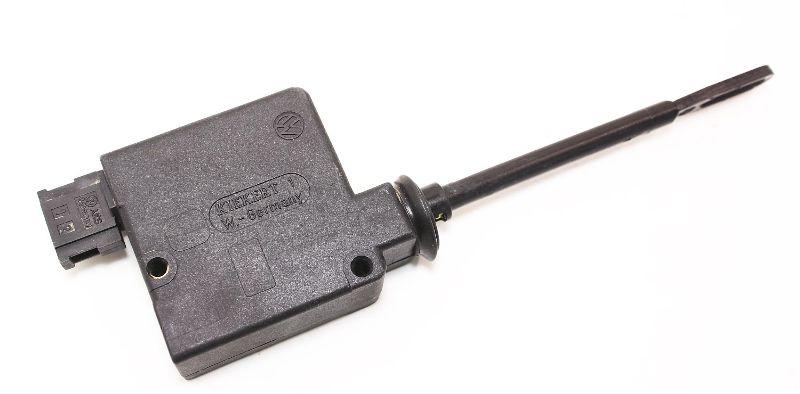 Trunk Latch Actuator 93-99 VW Jetta Golf GTI MK3 - Genuine - 31J 959 781