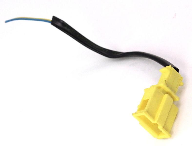 Rh Front Seat Belt Receiver Pigtail Plug 01 05 Vw Passat