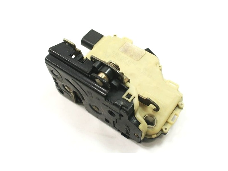 LH Front Door Latch Lock 99 05 VW Jetta Golf GTI Beetle