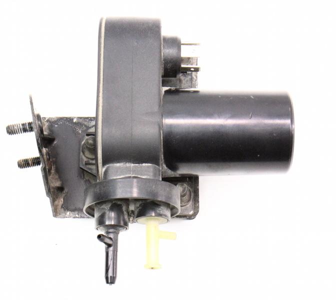 Cruise Control Vacuum Actuator Pump Vw Passat Audi A4 S4 A6 S6 4b0 907 325