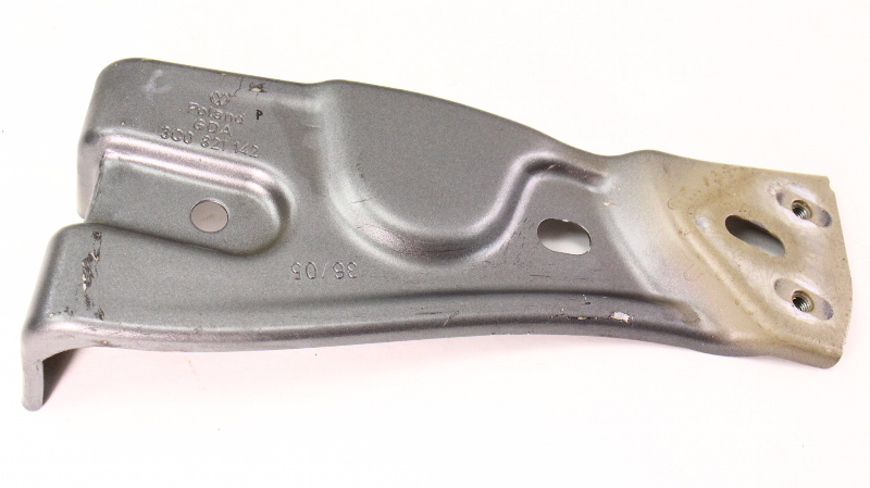 Rh Front Fender Mount Metal Bracket 06