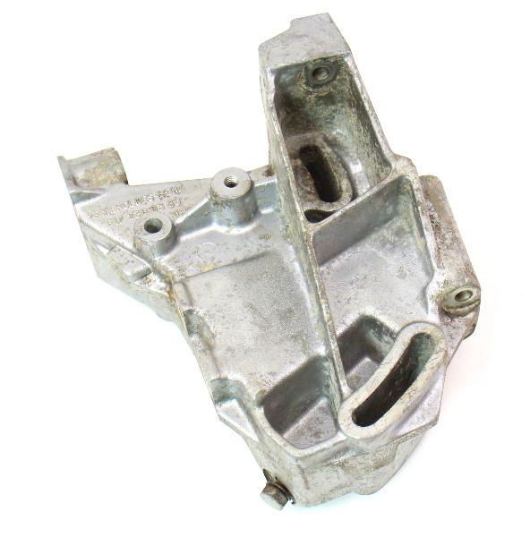 sda sdb_Power Steering Bracket Mercedes Diesel OM617 300D 300CD 300TD - 617 236 03 30