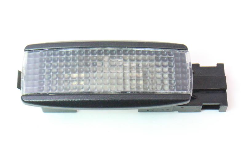 Trunk Hatch Side Cargo Light 01 05 Vw Jetta Wagon Mk4