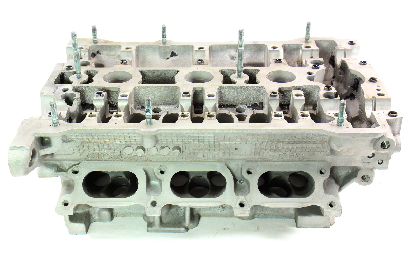 Lh Cylinder Head Audi A4 A6 Vw Passat 30v V6 Atq Aha 078