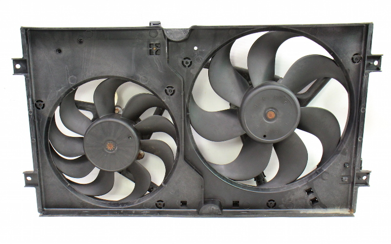 Engine Radiator Dual Cooling Fans 98-05 VW New Beetle & Shroud ~ Genuine