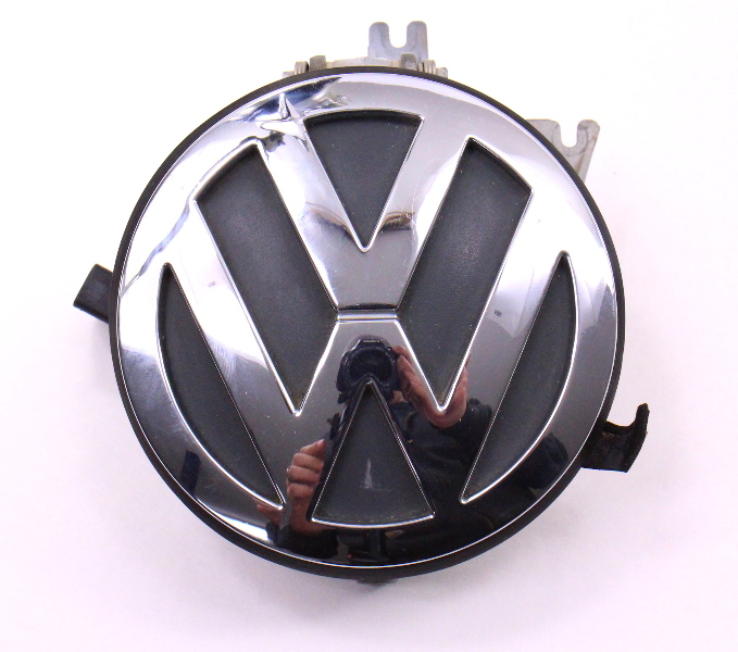 Hatch Lid Lock Handle 98-05 VW Beetle Trunk Emblem Badge Assembly - 1C0 827 297