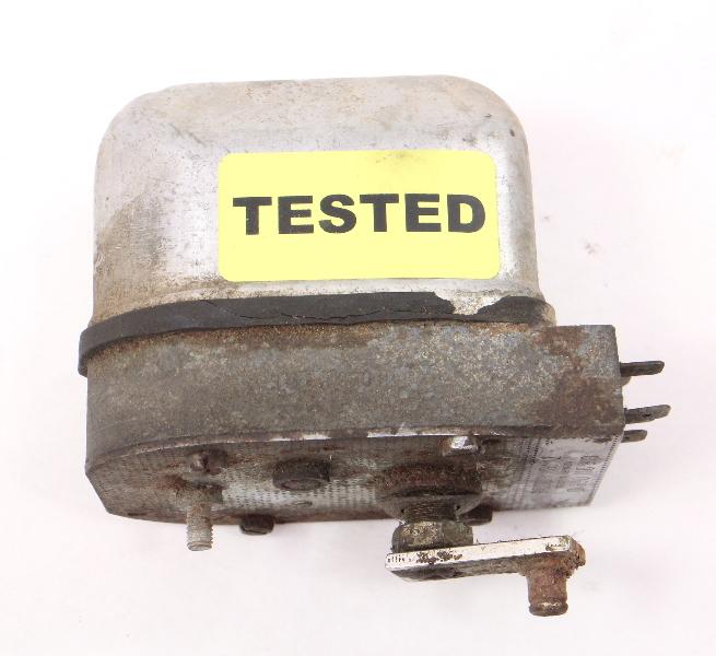 Windshield Wiper Motor VW Beetle Bug Bosch - Genuine - 0 390 116 913
