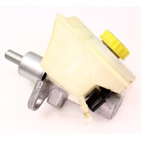 Brake Master Cylinder & Reservoir 04-06 VW Phaeton ~ Audi A8 R8 S8 ~ Genuine