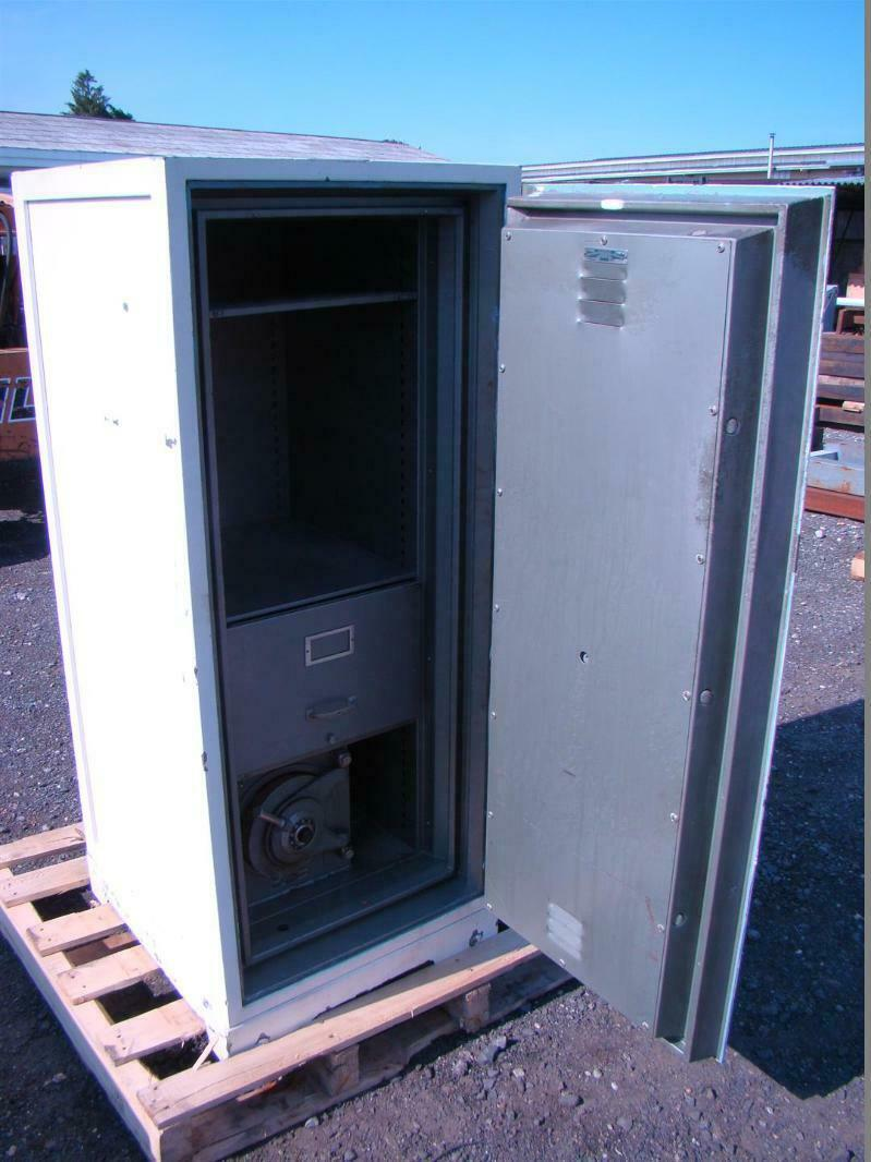 Diebold Upright Safe Fire Insulated Smna Class B F1 D