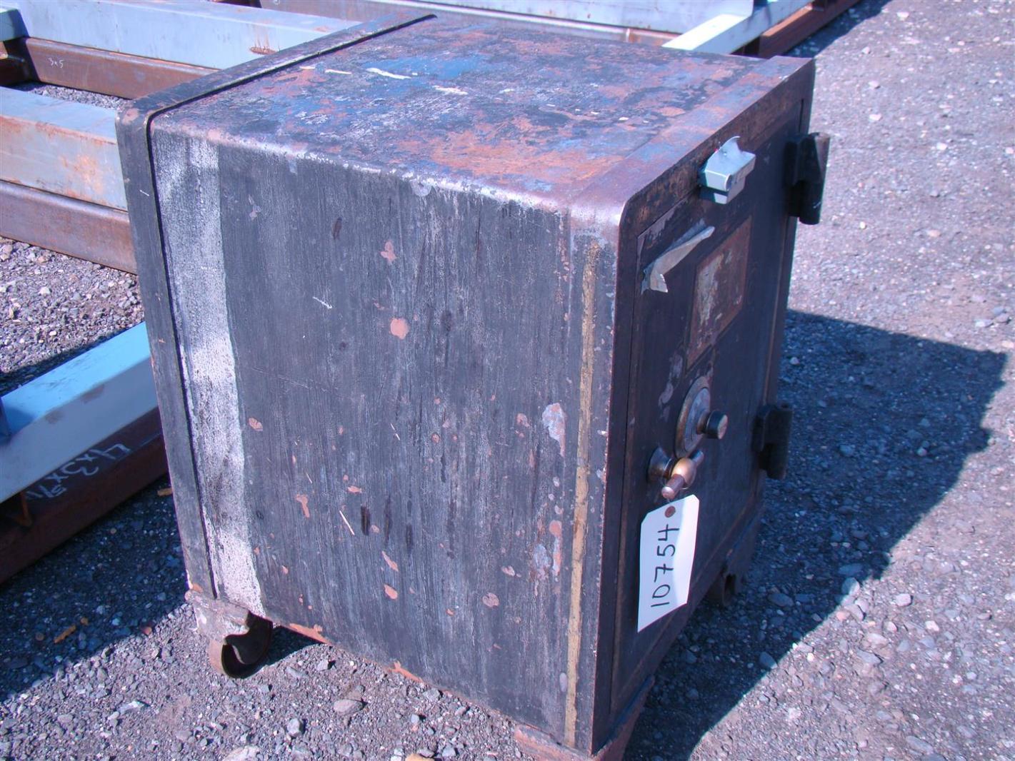 york safe. york antique combination safe m-13 w