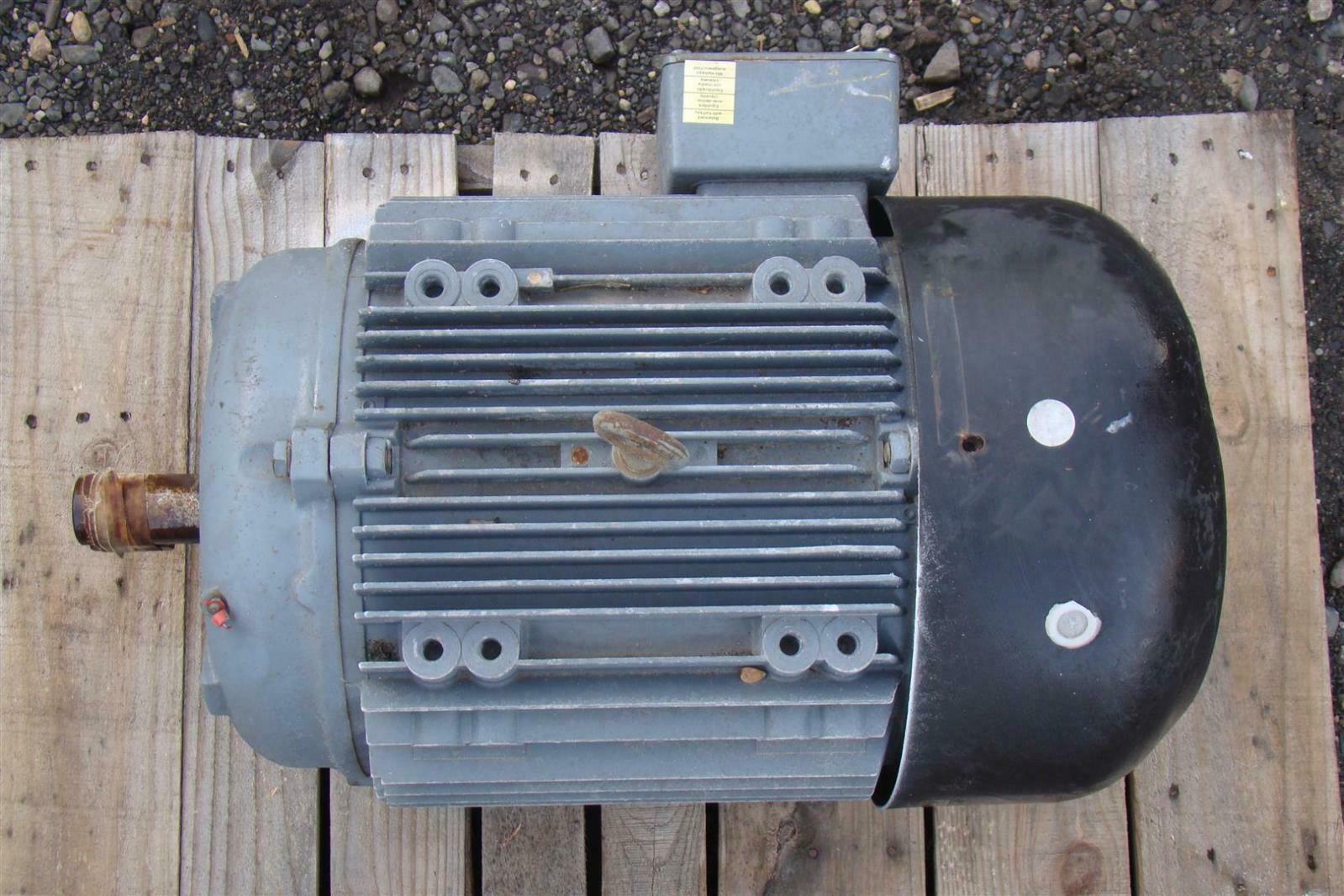 Brook Crompton Inc Motor 3 Phase 25 Hp 230  460v