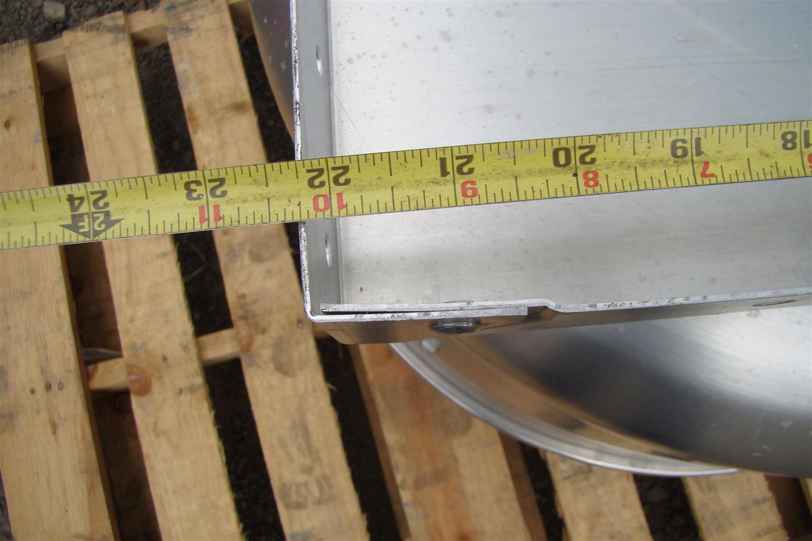 Greenheck 1 3 Hp Belt Driven Roof Mounted Exhaust Fan Cube