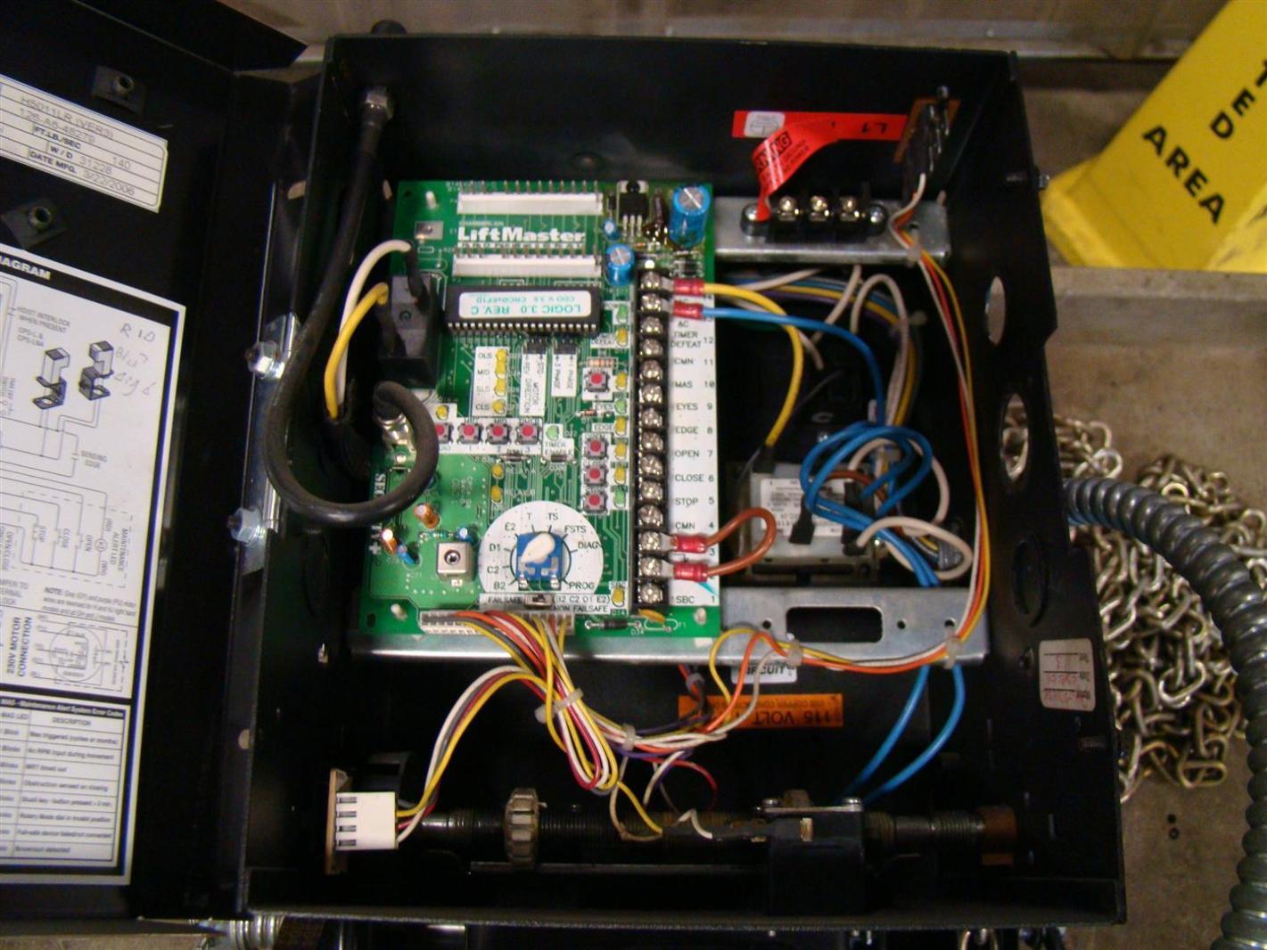 Chamberlain Liftmaster Elite Series 1  2hp 115v Garage Door