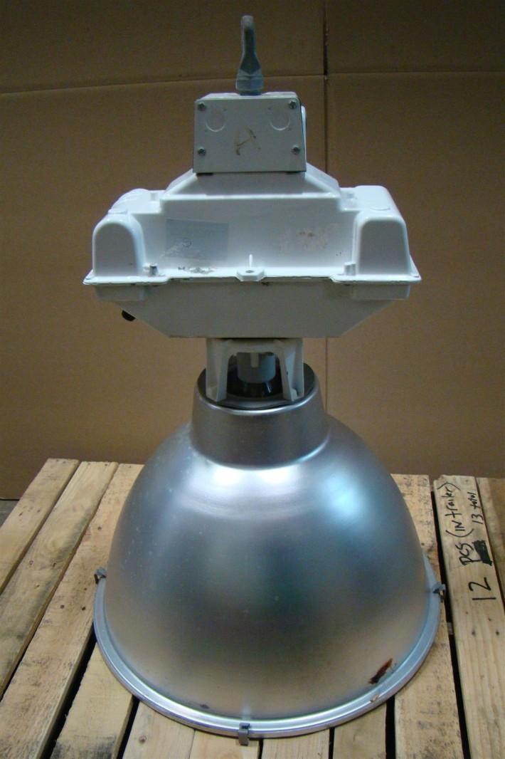 Hubbell Metal Halide Fixtures 480v 269 2100 9902 Ebay