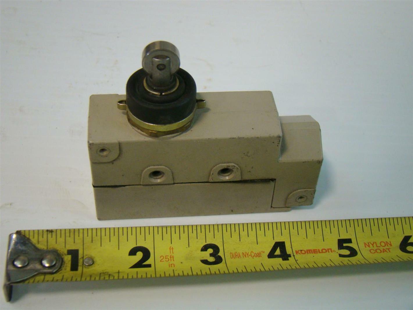 Omron Limit Switch 15A 125/250/480Vac ZE-N22-2S | eBay