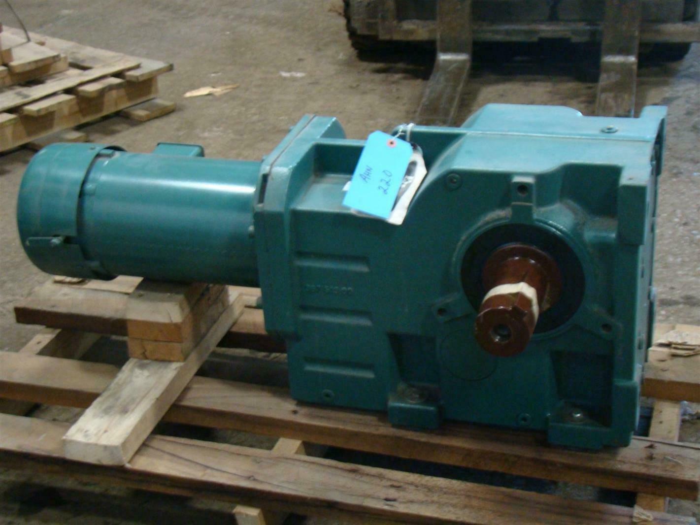 Baldor Reliancer Supere Gear Motor 5 Hp 10 1 208 230 460v