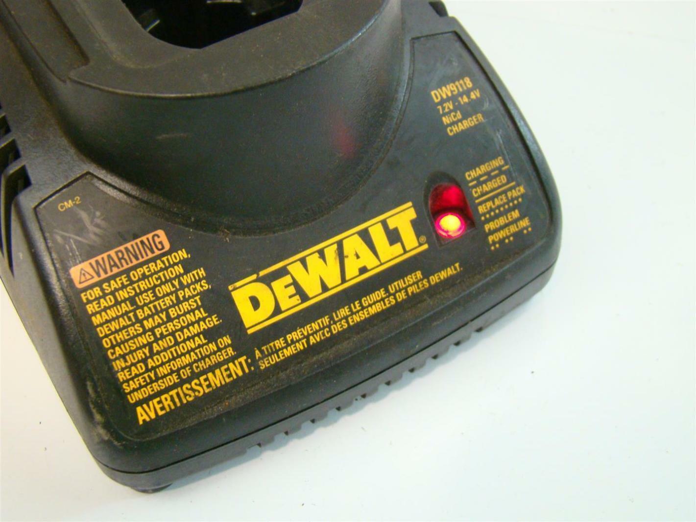 Dewalt 7 2v 14 4v 120vac 1 0amps Battery Charger Dw9118