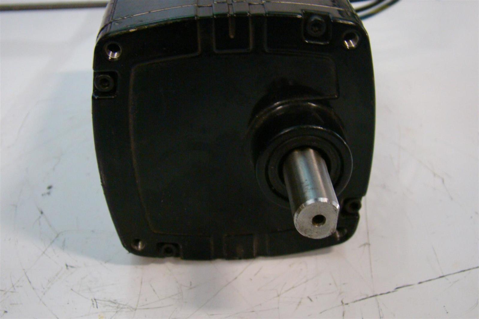Bodine Electric Gearmotor 115v 30r2beci D3 5471dzfj0015 Ebay