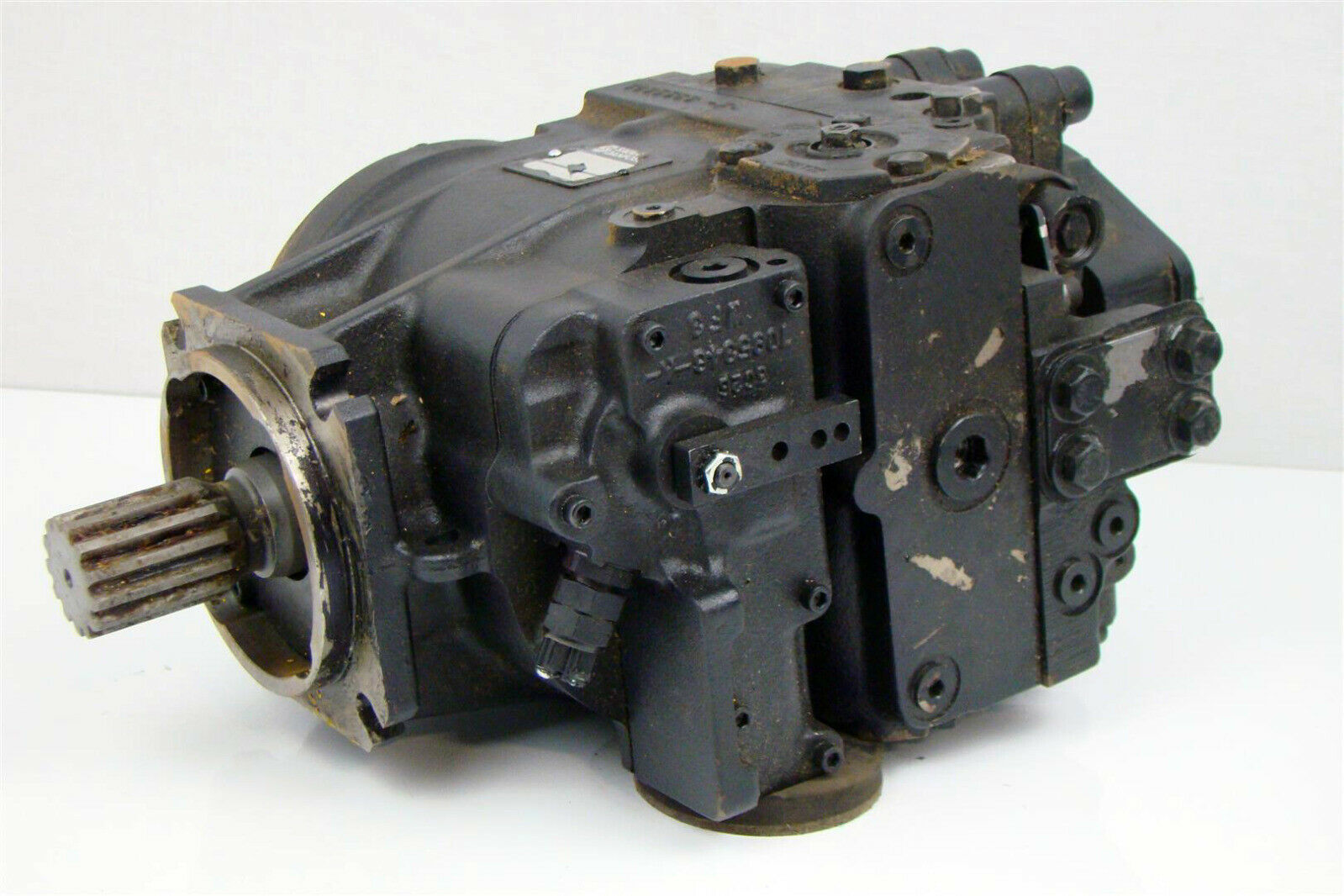 Sauer Danfoss Axial Hyd Motor 3 1 8 L X Shaft