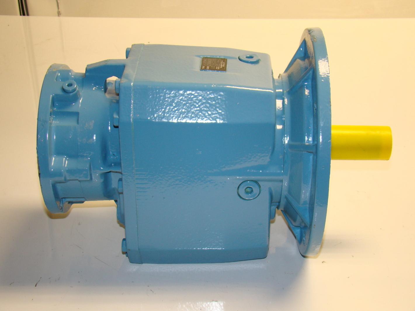Bonfiglioli electric motor gear reducer c413ufbn140tc ebay for Electric motor gear reduction