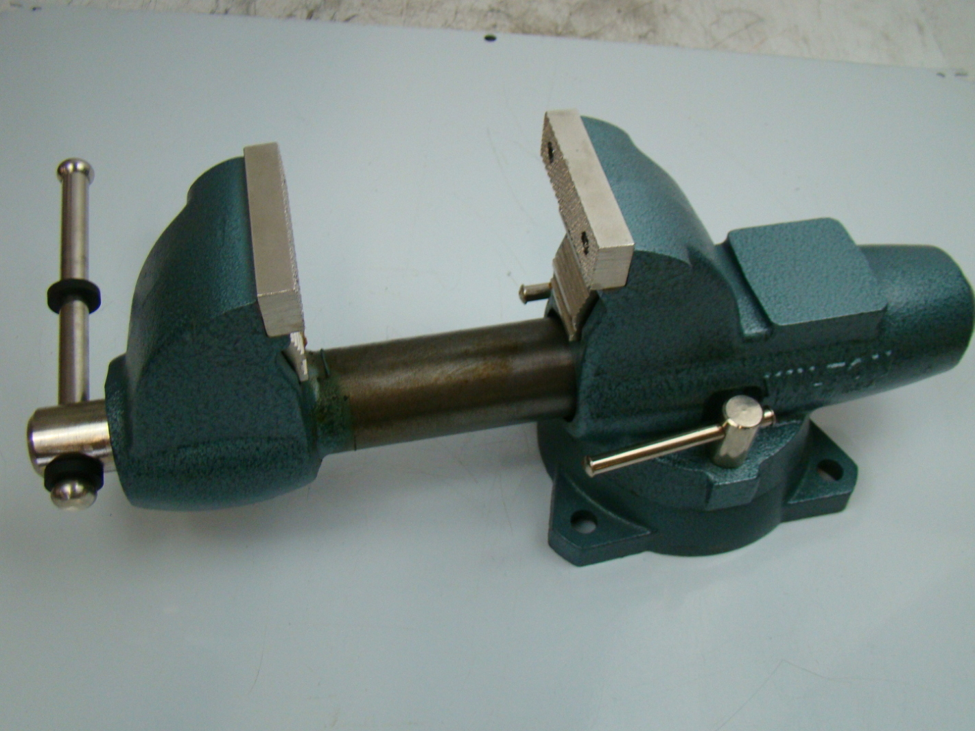 Wilton 3 1 2 Jaws Combination Pipe Bench Vise Model C 0 Ebay