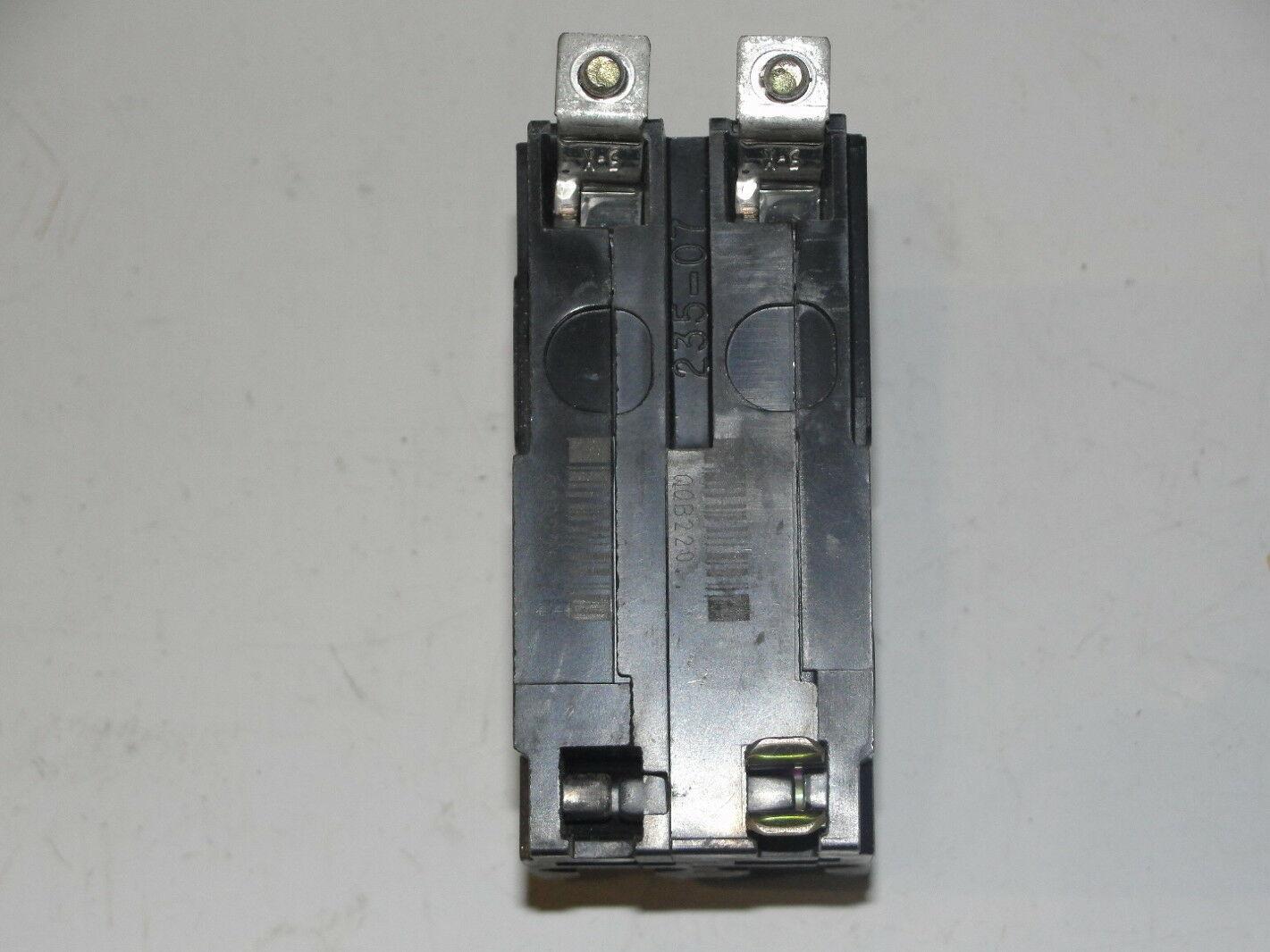 Qo Circuit Breaker Square D 15a 1p Rona 20a 2 Pole Bolt On