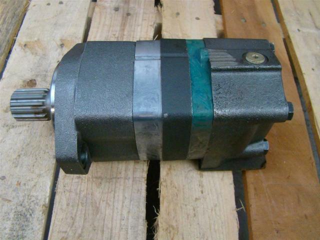 Char Lynn Hydraulic Motor Shaft 03105 Joseph