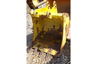 "Case 580 30"" Backhoe Bucket 45mm & 38mm Pins with Teeth"