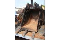 "16"" Excavator Bucket with Teeth 32mm x 6-5/8"""