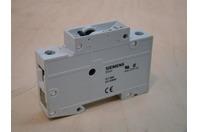 Siemens Circuit Breaker D25 Din Mount 230/400V 5SX21